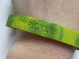 Pickle Love Wristband - I Heart Pickles - Silicone Wrist Band Rubber Bracelet (Lrg/XL)