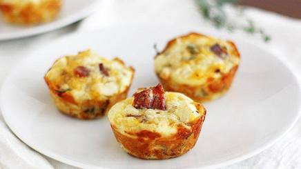 Apple Bacon Cheddar Mini Pies!