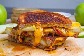 Bacon Caramel Apple Grilled Cheese!