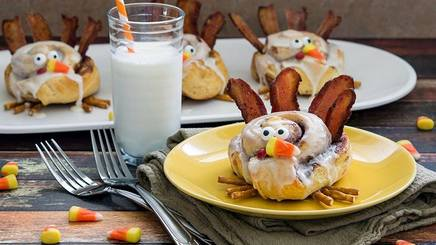 Cinnamon Roll Turkeys!