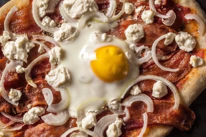 Bacon & Egg Pizza!