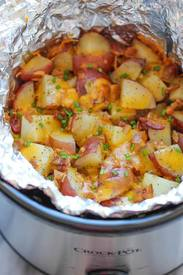 Slow Cooker Cheesy Bacon Ranch Potatoes!