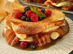 Bacon & Banana Stuffed French Toast!