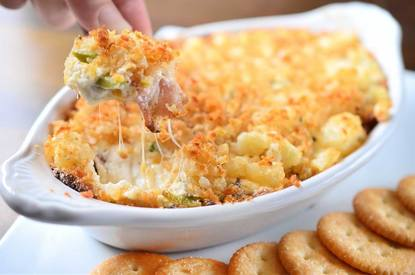 Cheesy Jalapeno Bacon Tator Tot Dip!