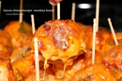Bacon Cheeseburger Monkeybread!