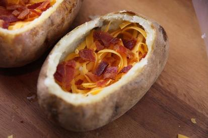 Bacon & Egg Stuffed Baked Potato!