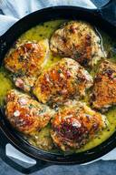 Skillet Chicken With Bacon & White Wine Sauce!!