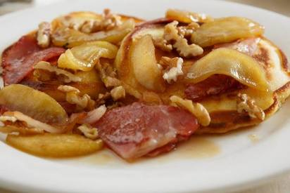 Buttermilk Pancakes With Apples, Bacon & Walnuts!