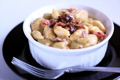 Tomato Bacon Mac N Cheese!