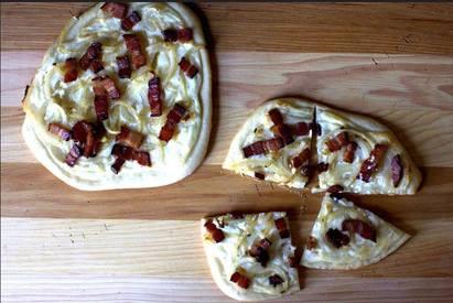 Bacon, Onions & Cream Pizza!