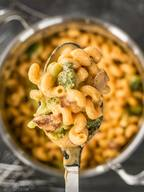 One Pot Bacon Broccoli Mac & Cheese!