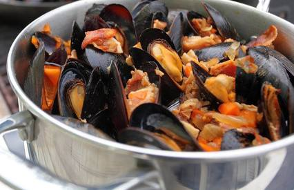 Bacon & Beer Mussels!