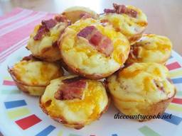 Cheesy Bacon Puffs!