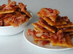 Sweet & Salty Bacon Caramel Brittle!