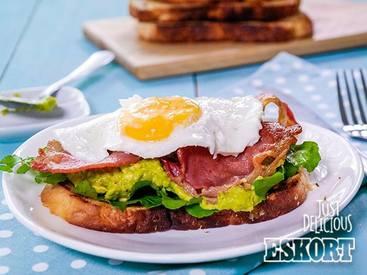 Guacamole & Bacon Breakfast Sandwich!