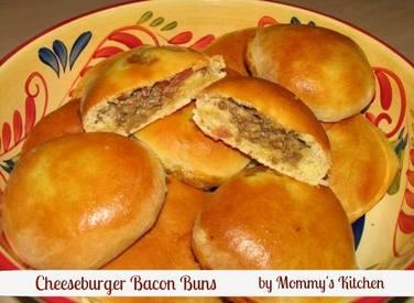 Stuffed Cheeseburger Bacon Buns!
