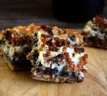 Maple Bacon Magic Bars!