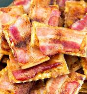 Sweet & Spicy Bacon Crackers!