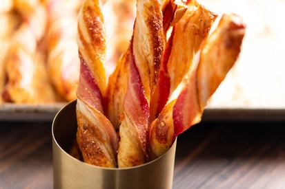Cheesy Puff Pastry Bacon Straws!