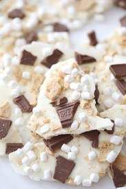 S'mores Chocolate Bark!