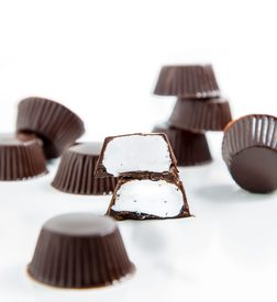 Chocolate Mallow Cups!