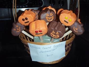 Chocolate Marshmallow Pumpkin Pops!