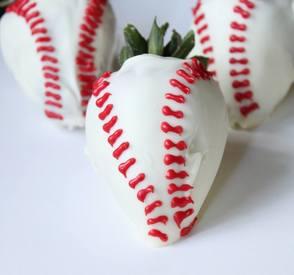 Baseball Chocolate Strawberries!