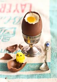 Cheesecake Filled Easter Eggs!