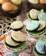 Chocolate Easter Oreos!