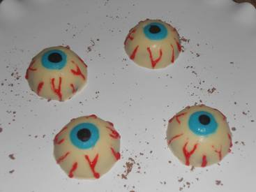 Bloody Eyeball Truffles!