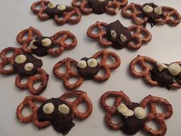 Chocolate Covered Pretzel Bats!