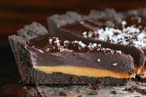 Dark Chocolate Salted Caramel Oreo Pie!