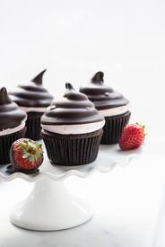Chocolate Dipped Strawberry Cupcakes!