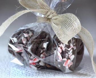 Chocolate Peppermint Sandwich Cookies!