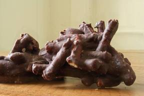 Salty Chocolate Pretzel Clusters!