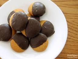 Chocolate Dipped Nilla Wafers!