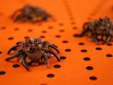 Pecan Caramel Spiders!
