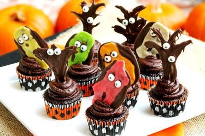 Tootsie Roll Goblin Cupcakes!