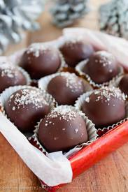 Salted Caramel Truffles! Dark Chocolate, Salted Caramel, And A Sprinkle Of Fleur-de-sel, I Mean How Could You Go Wrong?