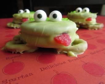 Oreo Frog Treats!