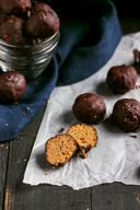 Toasted Quinoa Chocolate Pb Truffles!