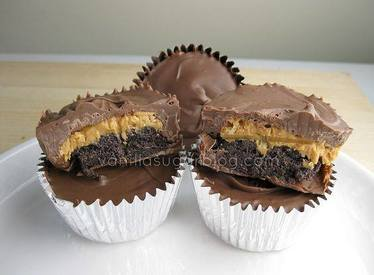 Devils Food Cake Filled Pb Cups!