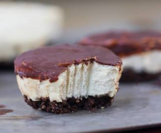 Mini Cheesecake Coconut Bars!