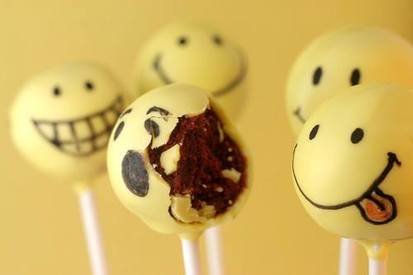 Smiley Face Cake Pops!