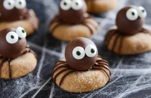 Pb Chocolate Spider Cookies!