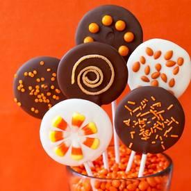 Easy Halloween Chocolate Lollipops!