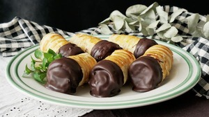 Chocolate Custard Horns!