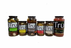 Tru Pickles Variety Gift Pack - SIX JARS - Kosher Dills, Bread & Butter, Dill Heat, Spiced Chai, Ultimate Mary Mix & Smoked Black Pepper Pickle Sampler Pack