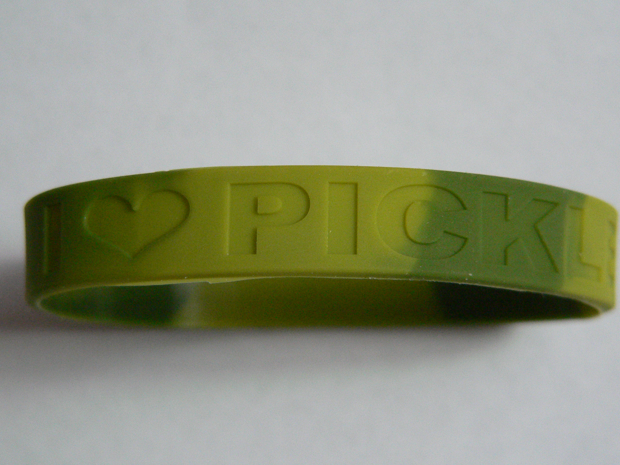 Wristband pickles small
