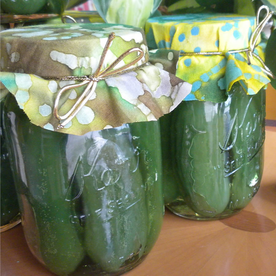 Pickle candles close new
